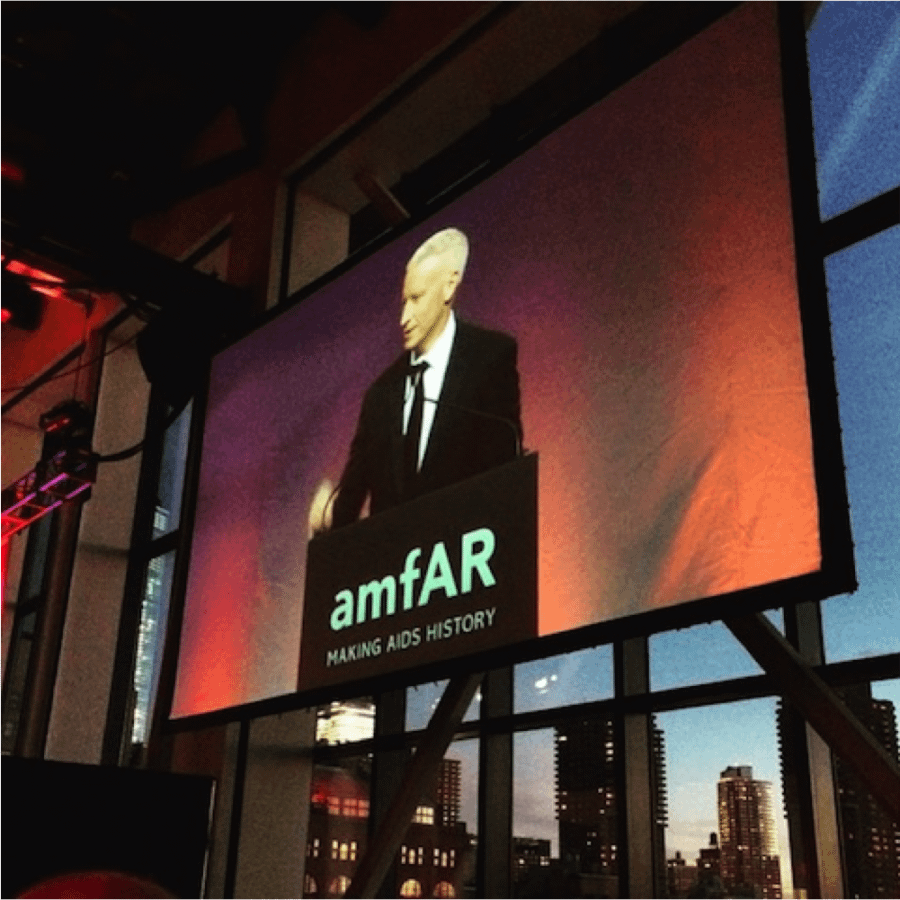anderson cooper speaking at amfar event